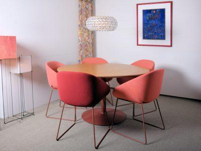 Ronde tafel van kersenhout xyleem meubelmakerij