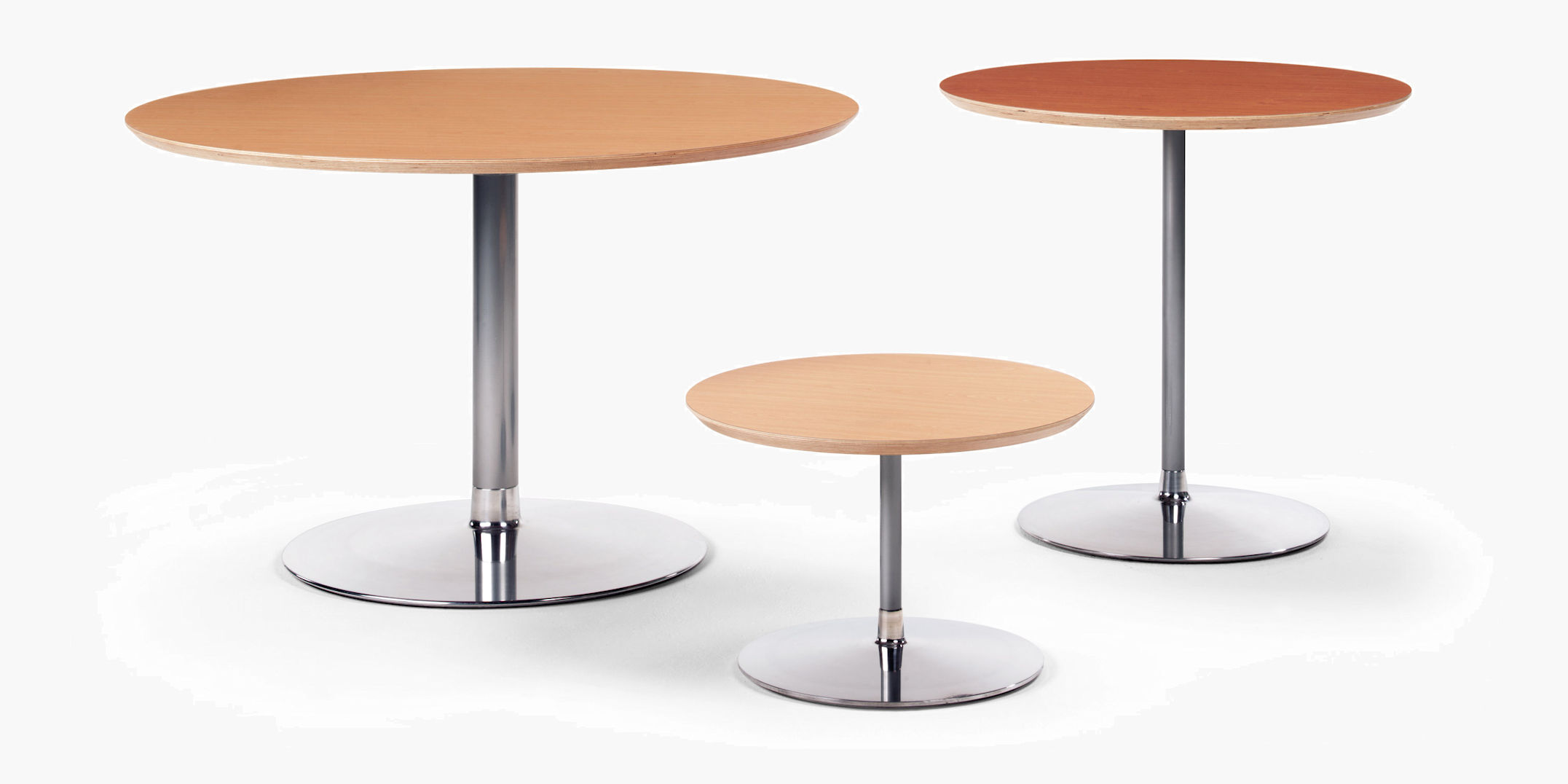 Artifort Circle tafel en bijzettafel