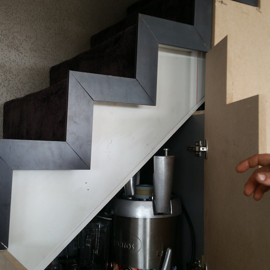 Kasten onder een trap