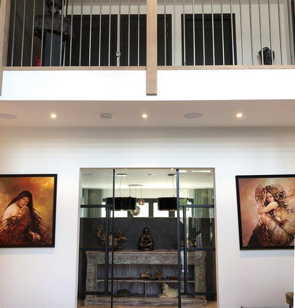 de projecten van eurohome en P&M new design, een villa in Maassluis, hal